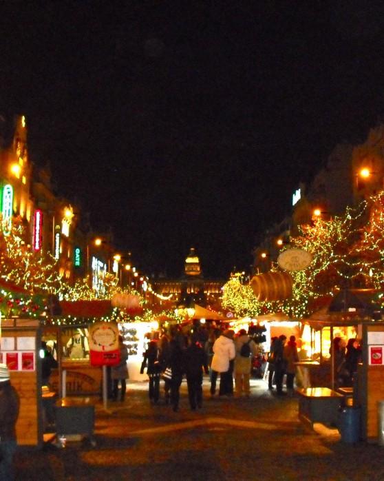 Коледни базари в красива Прага