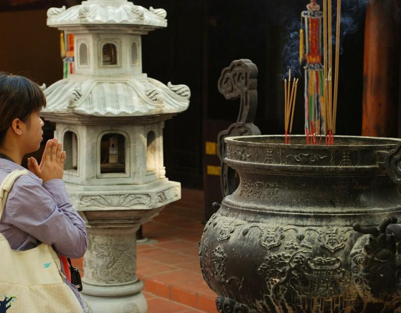 pagoda-167616_1280-r