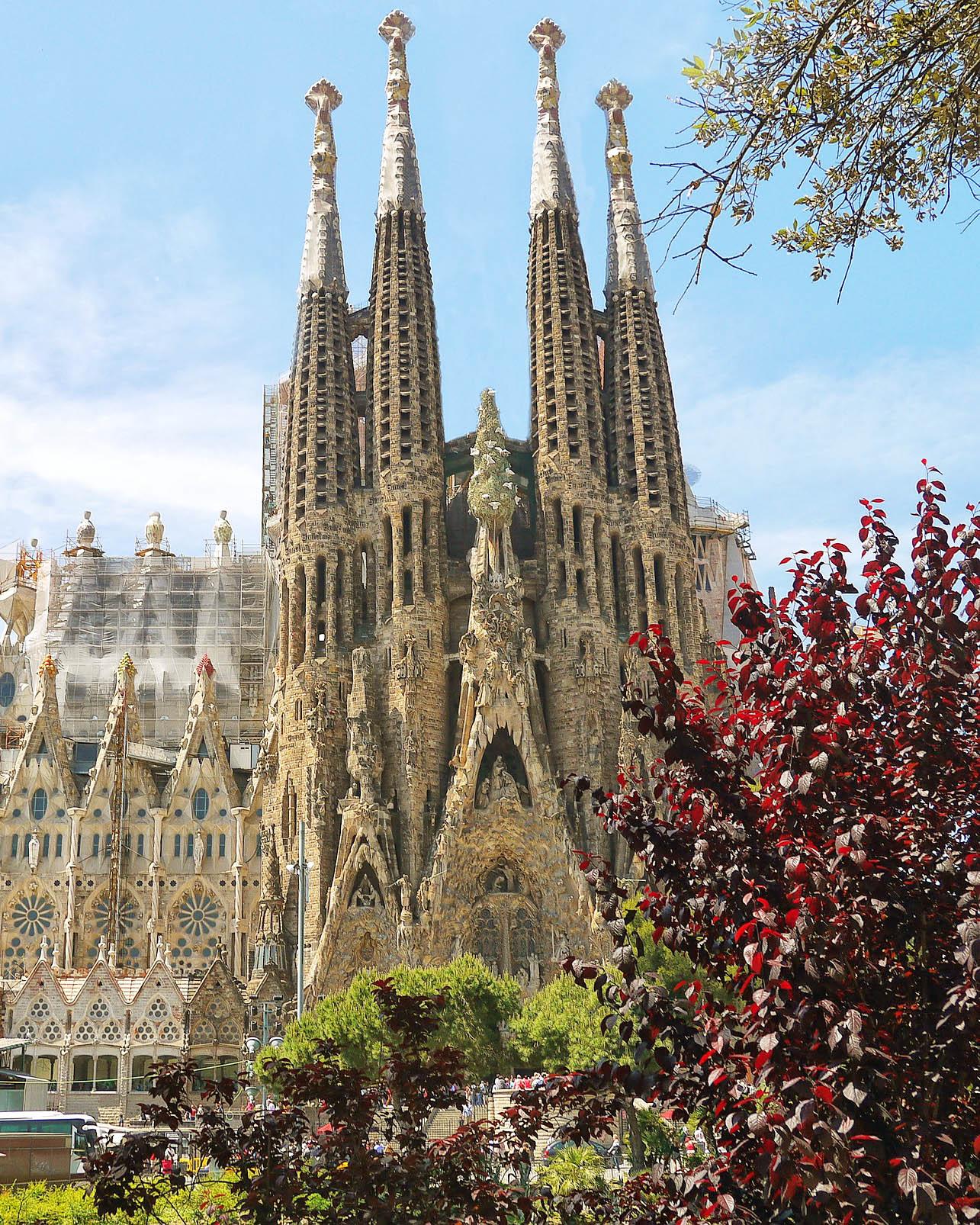 ВЕЛИКДЕН В БАРСЕЛОНА И ПОРТОКАЛОВИЯ БРЯГ – Испания